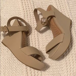 Wedge sandal - brand new and never worn